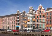 Amsterdam, Hollanda - 19 Mart 2014: renkli evleri Cephe Sistemleri — Stok fotoğraf