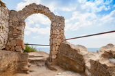 Ancient arch in fortress on Kaliakra headland, Bulgarian Black Sea Coast — Stock Photo