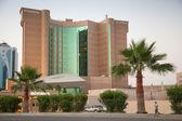 DAMMAM, SAUDI ARABIA - MAY 15, 2014: Movenpick hotel exterior in Dammam city, Saudi Arabia — Foto de Stock