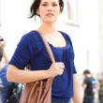 Young woman walking in Paris — Stock Photo #12872871