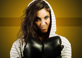 Angry female boxing — Stockfoto