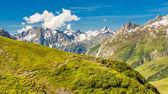 Dağlar ve yürüyüş — Stok fotoğraf