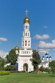 Temple complex in the village of Zavidovo. Russia. — Stock Photo