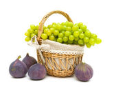 Grapes and figs isolated on a white background close-up — Stock Photo