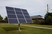 Solární energie vedle koleje — Stock fotografie