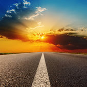 Road to dramatic sunset — Stock Photo