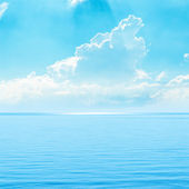 蔚蓝的天空和大海 — 图库照片