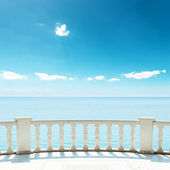 Balcony near sea under deep blue sky — Stock Photo