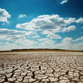 Drought earth under dramatic sky — 图库照片