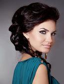 Capelli. bella ragazza bruna. sensuale donna bruna con i capelli — Foto Stock