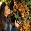 Young beautiful woman outdoors portrait. Soft sunny colors. — Stock Photo