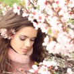 Beauty woman, outdoors portrait of teen girl beautiful cheerful — Stock Photo
