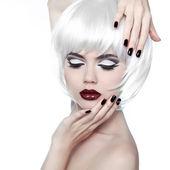 Vogue stil kvinna. smink och frisyr. mode elegant skönhet — Stockfoto