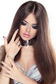 Beautiful Brunette Girl. Healthy Long Hair. Beauty Model Woman. — Stock Photo