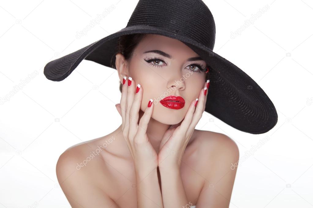 Bellezza Vogue Stile Moda Ragazza Modello Nel Cappello Nero Na Ben Curati Foto Stock