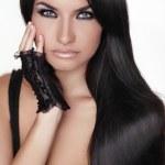 Красивая брюнетка девушка. Длинные здоровые волосы. Красота модель женщина — Стоковое фото