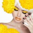 Beauty Blond Female Portrait with yellow flowers. Beautiful Spa  — Zdjęcie stockowe