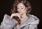 Winter beautiful girl wearing in mink fur coat with long hair st — Stock Photo