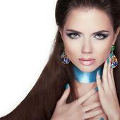 Beauty Fashion Woman Portrait. Jewelry. Makeup and manicured nai — Stock Photo
