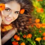 Enjoyment. Free Happy Woman Enjoying Nature. Beauty Girl over ma — Stock Photo #41620189