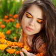 Beauty Romantic Girl Outdoors. Eye makeup. Beautiful Teenage Mod — Stock Photo
