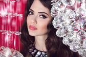 Glam mädchen portrait schönheit. make-up. sinnliche lippen. brünette frau — Stockfoto