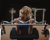 školení biceps — Stock fotografie