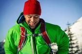 Jovem negro no inverno — Fotografia Stock
