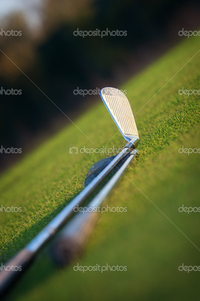 Golf club and ball — Stock Photo #13889125