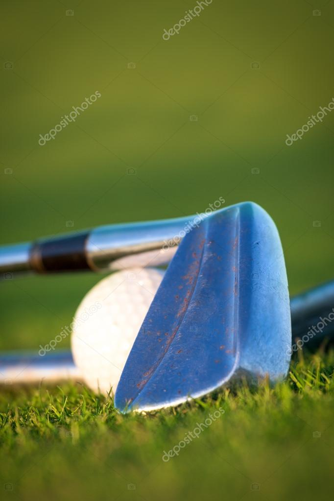 Golf club and ball — Stock Photo #13889245