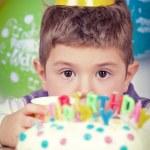 Kids celebrating birthday party — Stock Photo