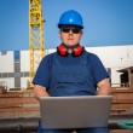 Shipyard worker — Stock Photo #24843101