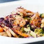 Salad with prawns — Stock Photo