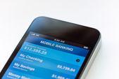 Mobiel bankieren op mobiele smartphone — Stockfoto