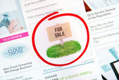 Sale sign on internet advertising — Stock Photo