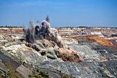 Explosion im tagebau-mine — Stockfoto