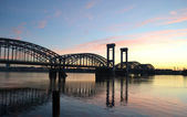 Finlandiya demiryolu Köprüsü şafak — Stok fotoğraf