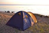 Camping tent at dawn — Stock Photo