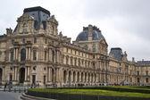 在巴黎的罗浮宫博物馆 — 图库照片