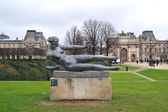 Statue of a woman in the Tuileries Gardens — Stock Photo