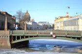 Potseluev bron över floden moyka — Stockfoto