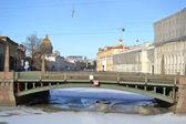 Moika Nehri üzerinde potseluev Köprüsü — Stok fotoğraf