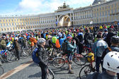 Finish cycling on Palace Square of St.Petersburg — Stock fotografie