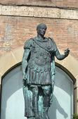 Statue of Gaius Julius Caesar — Stock Photo