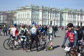 Avsluta cykling på torget i st.petersburg — Stockfoto
