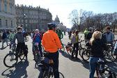 Afwerking fietsen op het paleis plein van Sint-Petersburg — Stockfoto