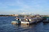 Pleasure boat on the river Neva — Stockfoto