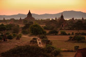 Sunrise over temples of Bagan in Myanmar — Stock Photo