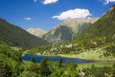Lago llebreta nos pirenéus — Foto Stock
