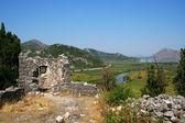Rovine sulla cima della montagna in montenegro — Foto Stock